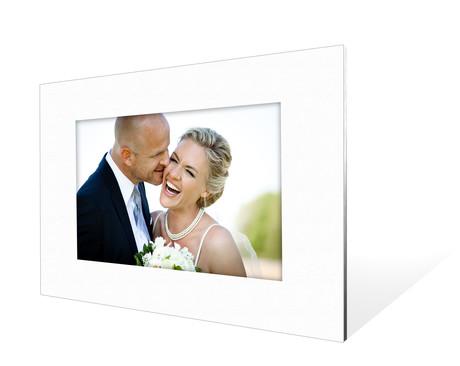 Stabiler Aufsteller mit Schrägschnitt für 20x30 cm -  weiße Maske - weißer Kern - mit weißer Rückwand Produktbild