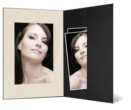 Portraitmappe mit Tasche für 13x18 cm - schwarz - creme satinierte Maske Produktbild