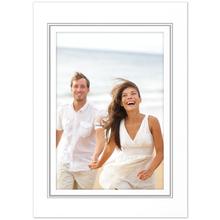 Fotomaske für 9x13 cm - weiß glänzend - geprägter Silberrand - ohne Rückwand Produktbild