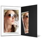 Portraitmappe mit Tasche für 13x18 cm - schwarz  - weiße Fotomaske mit Leinenstruktur - Silberstrich Produktbild