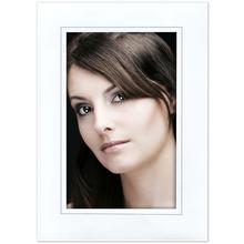 Einzelpassepartout für 13x19 cm - weiß - grauer Rand - mit Rückwand Produktbild