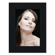 Einzelpassepartout für 13x19 cm - schwarz Filzprägung - mit Rückwand Produktbild