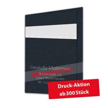 Individuell bedruckbare Passbildmappe mit Ausschnitt 32x42 mm & Tasche - schwarz - 1-farbig bedruckbar Produktbild