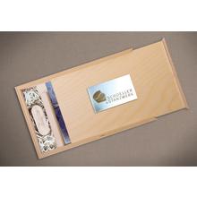 Rechteckige Fotobox aus geöltem Holz für 13x18 cm Fotos & sämtliche USB-Stick Größen Produktbild