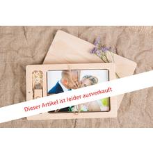 Rechteckige Fotobox aus Holz für 10x15 cm Fotos & sämtliche USB-Stick Größen Produktbild