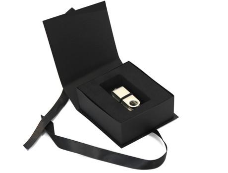 Momentum USB-Stick Box Hades  - schwarz Produktbild